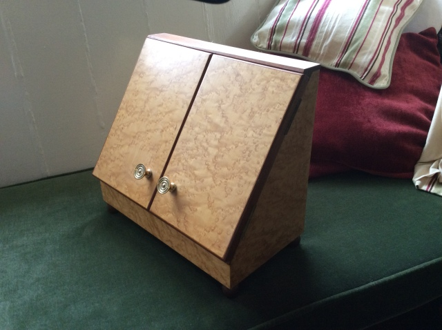 letter-rack